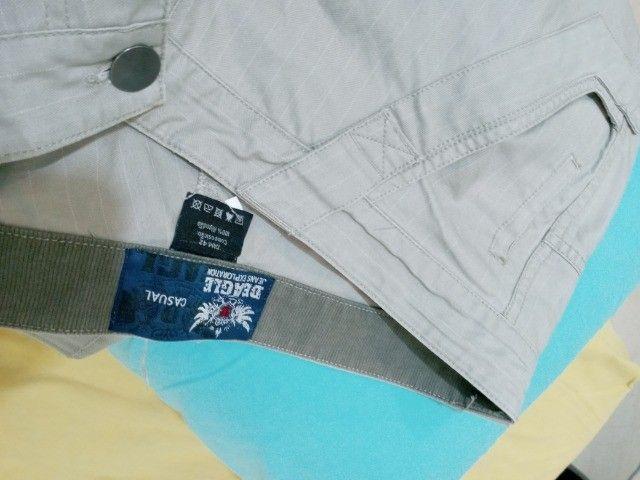 calça beagle brim com risca giz reta tam 42 veste 44 listrada semi nova sem marcas - Foto 2