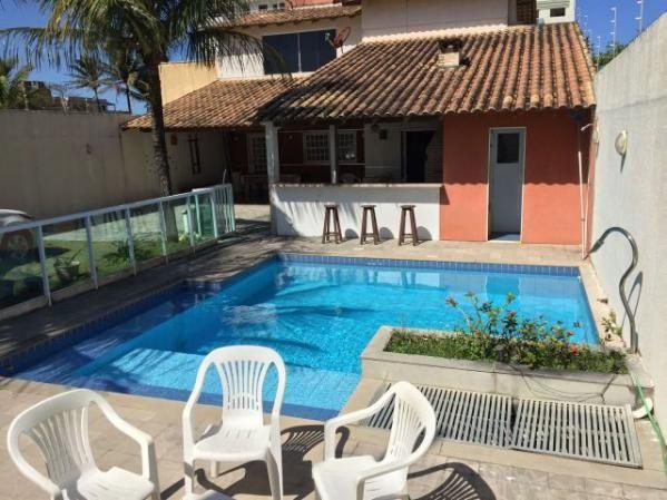 Casa Temporada Nova Guarapari com 4 suites, piscina e churrasqueira