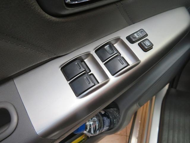 Hilux Diesel 3.0, 4x4 Automática modelo SRV Único dono, Estado de nova - Foto 14