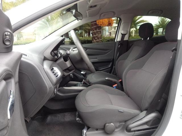 Chevrolet Onix LTZ 1.4 Manual Flex Branco 2015 - Foto 10