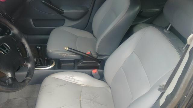 Honda Civic ex 1.7 16 v troco por Burgman 125 ano 2013 com volta do comprador - Foto 3