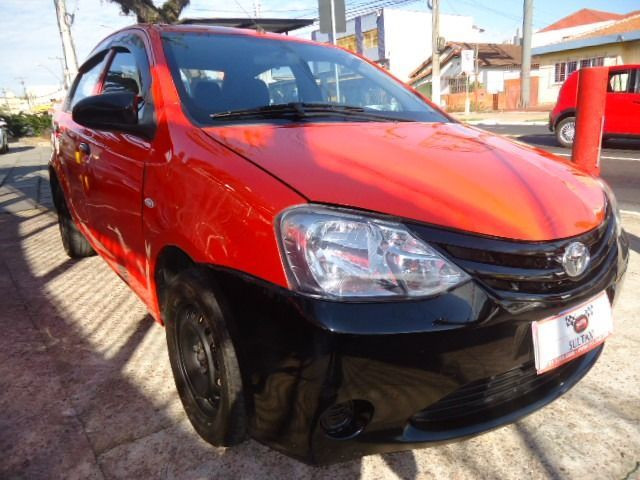 Toyota - Etios Sedan 1.5 X + GNV - Foto 4