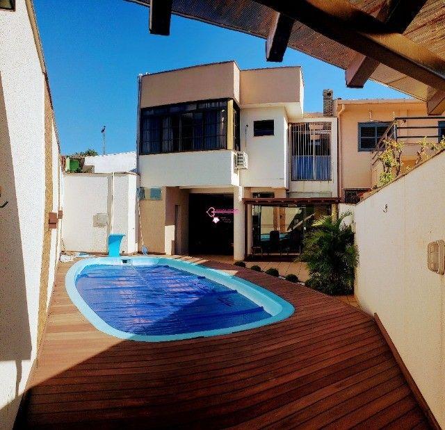 Maravilhoso sobrado no Tropical com piscina para locação!!!