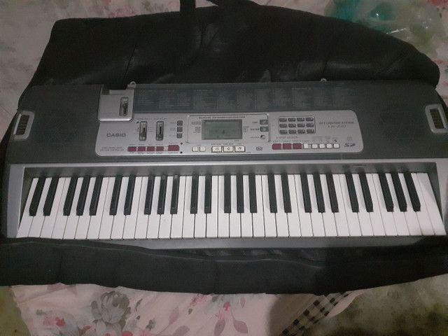 Cama e teclado - Foto 2
