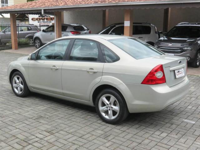Ford Focus Sedan 2.0  - Foto 5