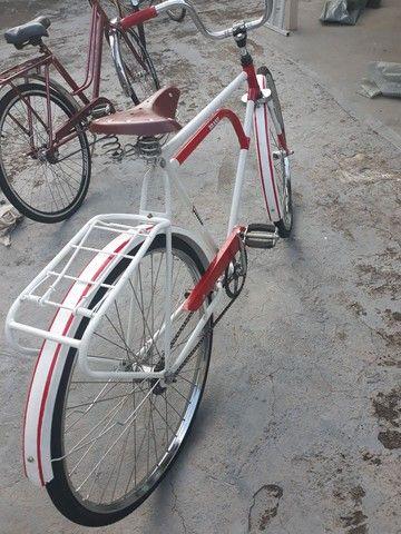 Vendo uma bicicleta antiga brasiliana Monark 1964 tudo novo   - Foto 2