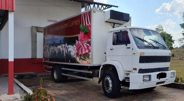Caminhão 14-170 Bau Gancheira - Foto 2