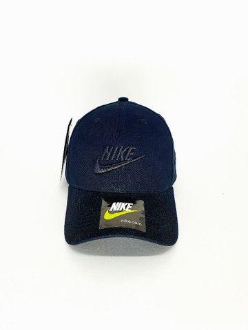 Boné Nike All Black Strapback Unissex