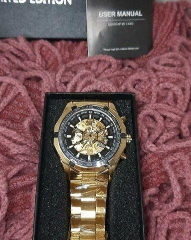 Relógio Top Pesado Original Foursining Dourado - Foto 4