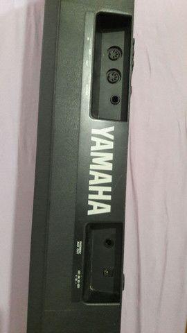 Teclado Yamaha PSR B20 - Foto 2