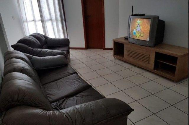 Oportunidade de Locação Anual, Apartamento Mobiliado, frente mar, 03 dormitórios (1suíte) - Foto 4