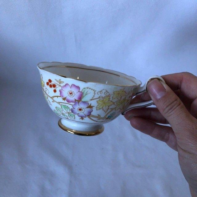 Xícara de Porcelana com Pires Royal Starfford - Flores - Foto 2