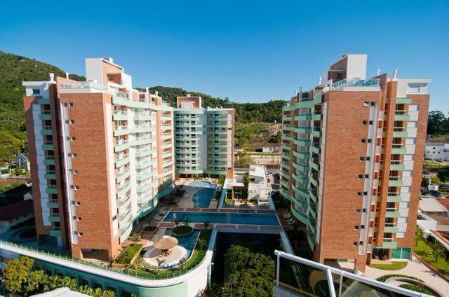Apartamento com lazer de um clube, na Trindade - Florianópolis - SC