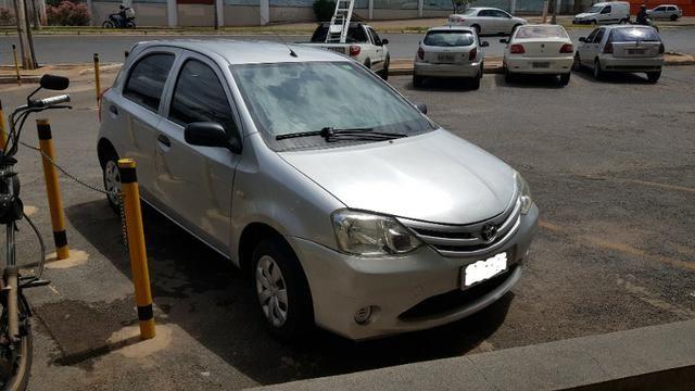 Toyota Etios X 1.3 2013 - Foto 3