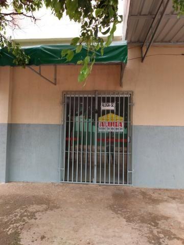 Salão próximo a Av. Souza Lima