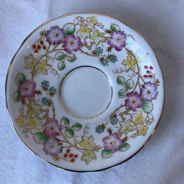 Xícara de Porcelana com Pires Royal Starfford - Flores - Foto 6