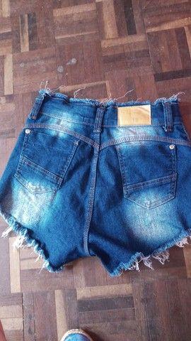 Calça jogeer ,colete ,shorts jeans cos alto e tênis - Foto 3