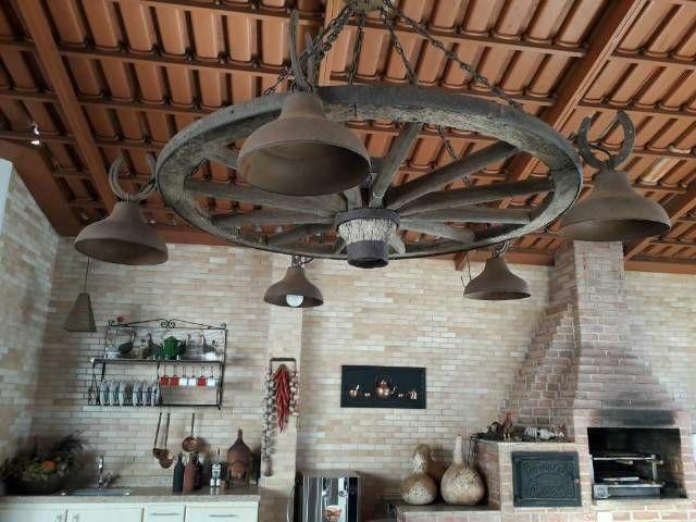 Mesa de madeira e luminária - Foto 6