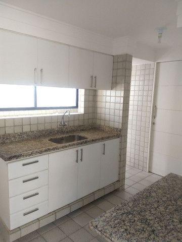 alugo apartamento em boa viagem com quatro suítes - Foto 10