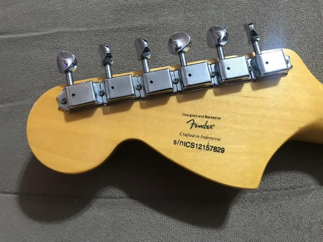 Guitarra Squier Stratocaster Vintage Modified - Foto 2