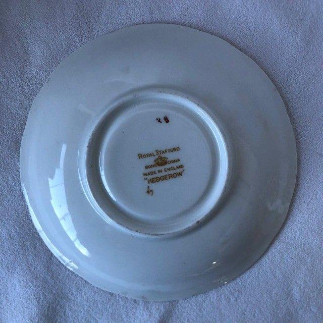 Xícara de Porcelana com Pires Royal Starfford - Flores - Foto 4
