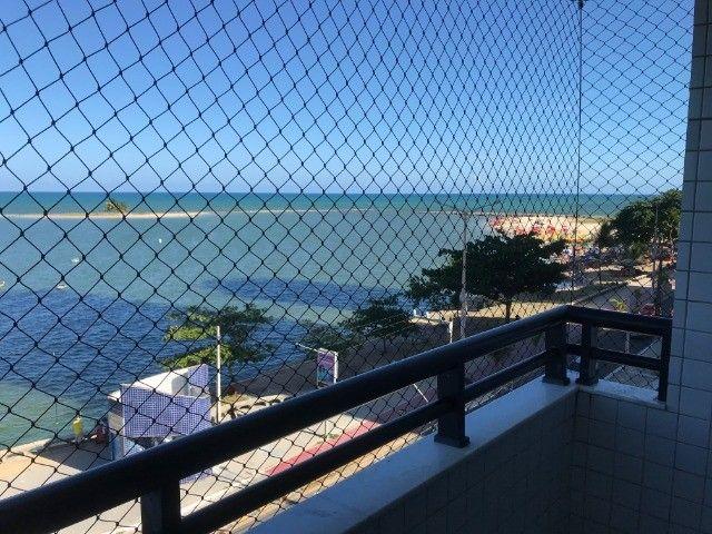 Apartamento beirar mar com piscina
