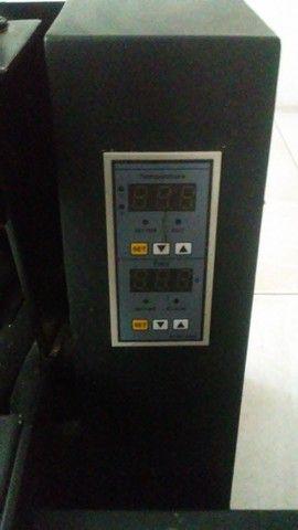 Prensa térmica plana para sublimação (camisas, chinelos, quebra-cabeças, entre outros)  - Foto 3
