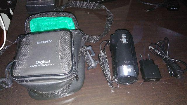 Filmadora Sony Full Hd Handycam Hdr Cx240 + 32 Gb