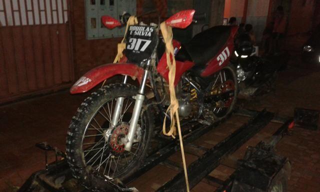 Moto de motocross ou terilha