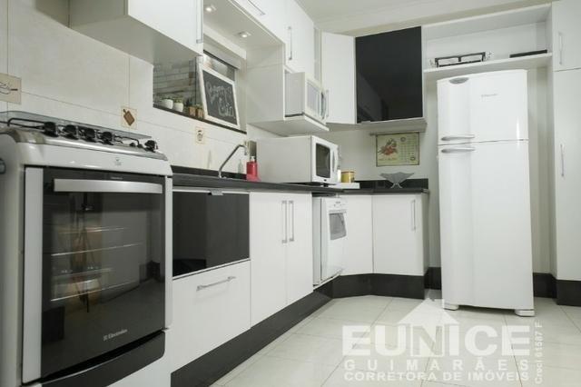 CV319 Casa á venda Condomínio Fechado !