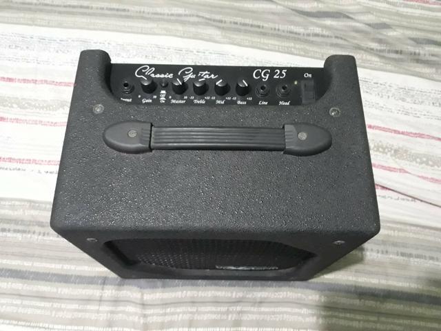Guitarra com cubo amplificador de guitarra - Foto 2