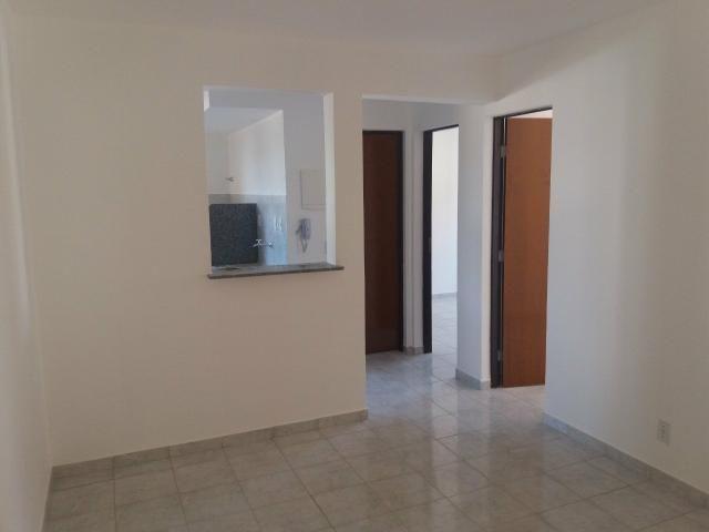 Apartamento no Condomínio Village Jardins II