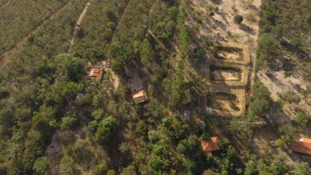 Chácara completa com 2 casas, piscina, pomar e ribeirão grande no fundo - Foto 12