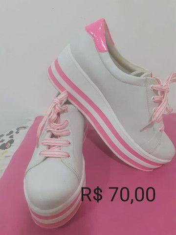 Vendo sapatinhos de luxo pouco usado - Foto 3