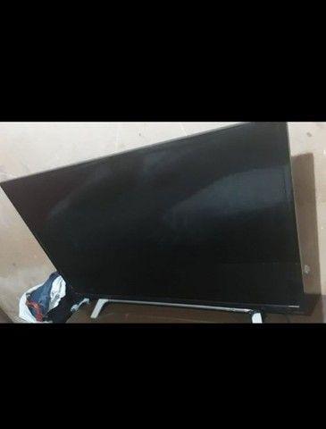 Vendo tv pra tirar peças