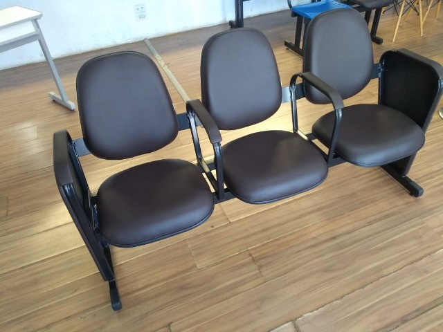cadeiras longarina de igrejas - Foto 2