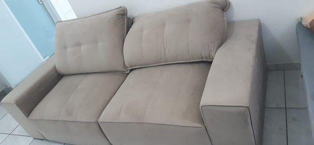 Sofá reclinável semi novo 4 lugares - Foto 2