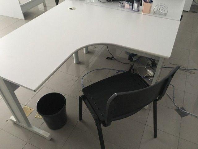 Mesa Escritório 1,20 x 1,20 + Gaveteiro  - Foto 3