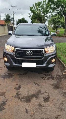 Toyota Hilux SW4 4x4 - Foto 2