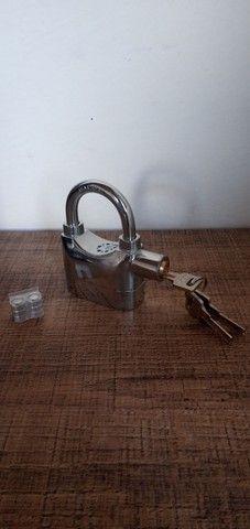 Cadeado de aço antifurto com alarme sonoro - Foto 8