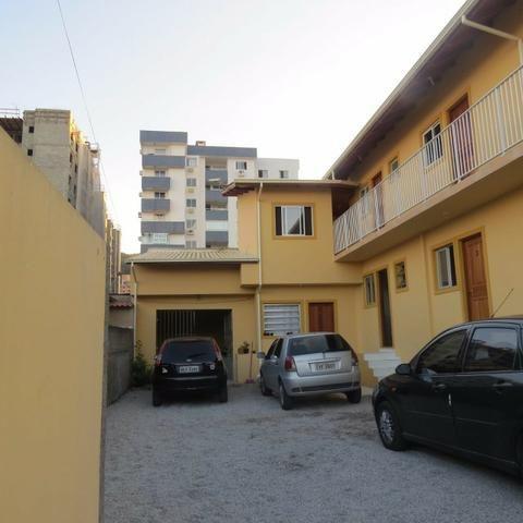 Kitnet para alugar no bairro bela vista III, em São José