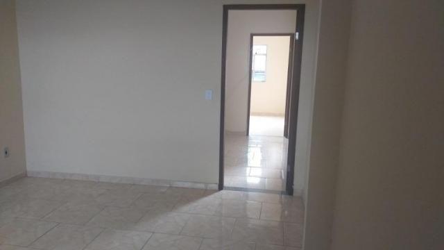 Apartamento com 2 dormitórios para alugar, 65 m² por r$ 850,00/mês - retiro - volta redond - Foto 4