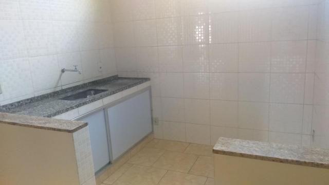 Apartamento com 2 dormitórios para alugar, 65 m² por r$ 850,00/mês - retiro - volta redond