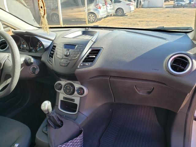'' Lindo! Ford Fiesta 1.5 Flex 2014/2015, completo. Muito conservado, todo original '' - Foto 6
