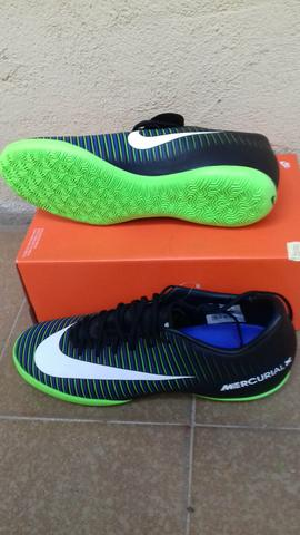 Chuteira futsal da Nike original número 39 - Esportes e ginástica ... 18c40d40dc489