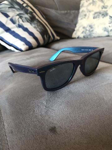 42d68decb5b95 Óculos rayban wayfarer azul furta-cor com lente espelhada ...