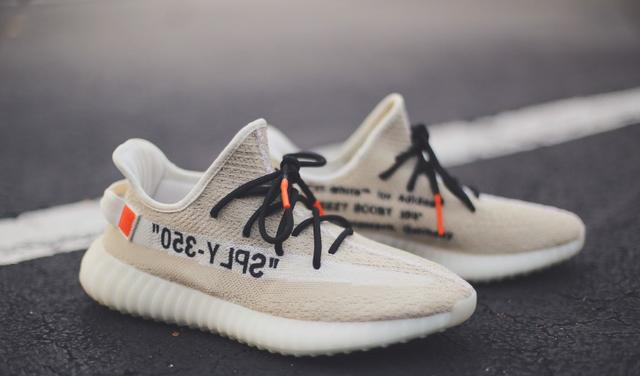 Adidas X Off White Yeezy Boost 350 V2 Tam. 4041