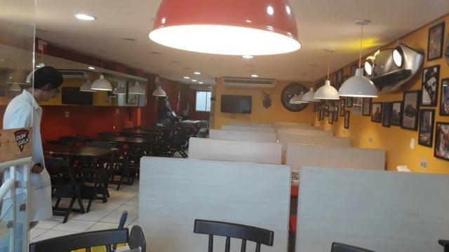 Pizzaria e hamburgueria temática com estrutura e cozinha impecável - Foto 3