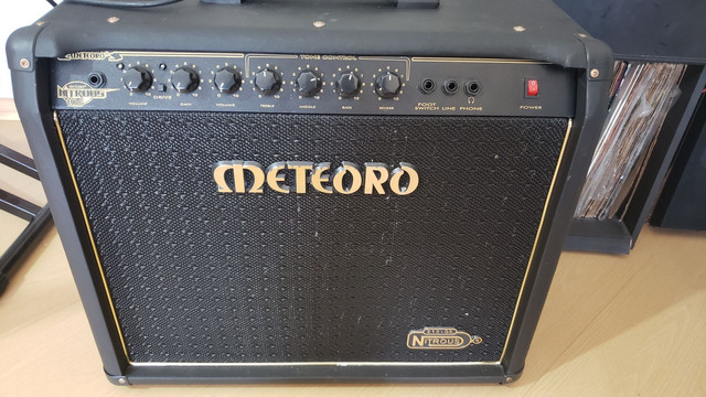 Amplificador Meteoro Nitrous 100 com falantes Voghan (venda/troca)