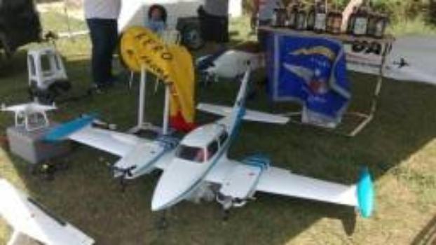 Cessna 310 Top Flite - Foto 5